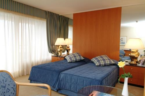 curtains,bedcovers,hotel ROYAL PLAZZA MONTREUX