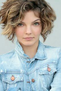 "Cameron Bicondova as "" Selina Kyle "" Known as "" Catwoman "" on "" Gotham """