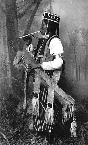 Native American Flutes: Apache Flute Player
