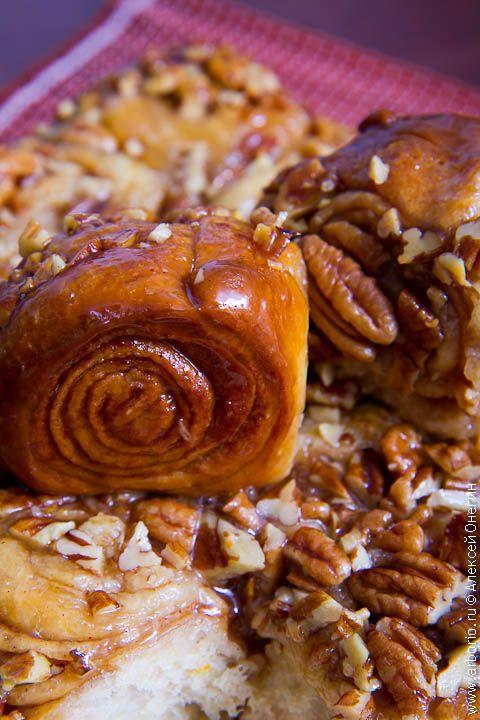 Как приготовить вкусные, красивые сладкие булочки с корицей и орехами? Я думал, это сложно, а оказалось наоборот. Никакого секрета здесь нет: все просто.