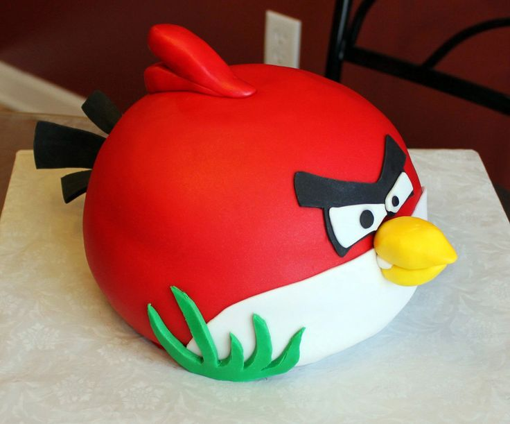 Angry Birds Cake I made this for my husband's co-workers last day of work. He loves Angry Birds :-) TFL