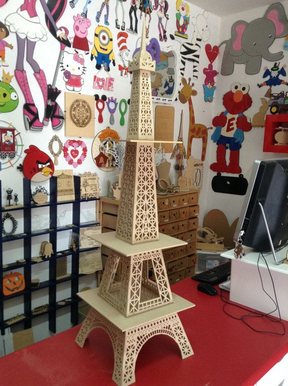 Eiffel tower, cake stand