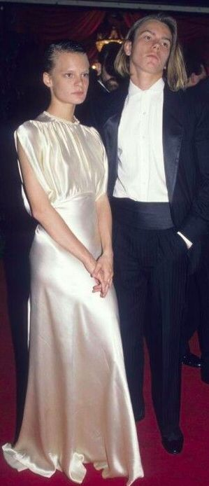 At his first and only Oscars, Best Supporting Actor nominee (for Running on Empty) River Phoenix, who died four years later, attends the show in 1989 with girlfriend Martha Plimpton.