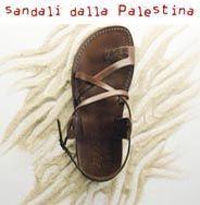 """Da poco disponibili nella Bottega di via Farini i sandali dalla Palestina per il Progetto """"Impronte di Pace"""". Il progettoImpronte di Pace, ideato dall'associazioneVento di Terra onlus,prevede l'avvio di un processo finalizzato allo sviluppo di una cooperativa no-profit per la lavorazione della pelle nei Campi Profughi di Shu'fat (Gerusalemme) e Kalandia (Ramallah) finalizzata alla…"""