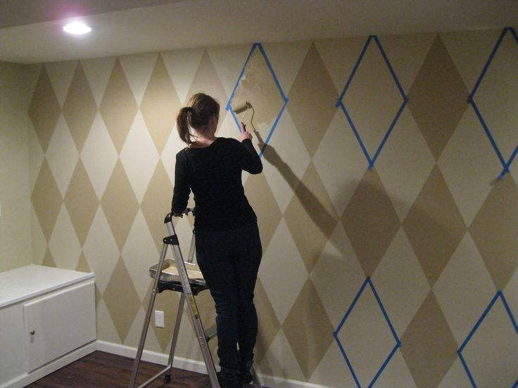 Step by step directions for painting a Harlequin pattern on a wall.