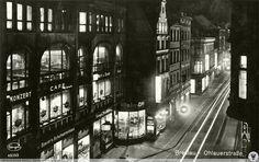 Oławska w nocy, widok w stronę pl. Dominikańskiego, po lewej dom handlowy Goldene Krone, w którym jak widać mieściła się wielostołowa sala bilardowa.Rok 1931