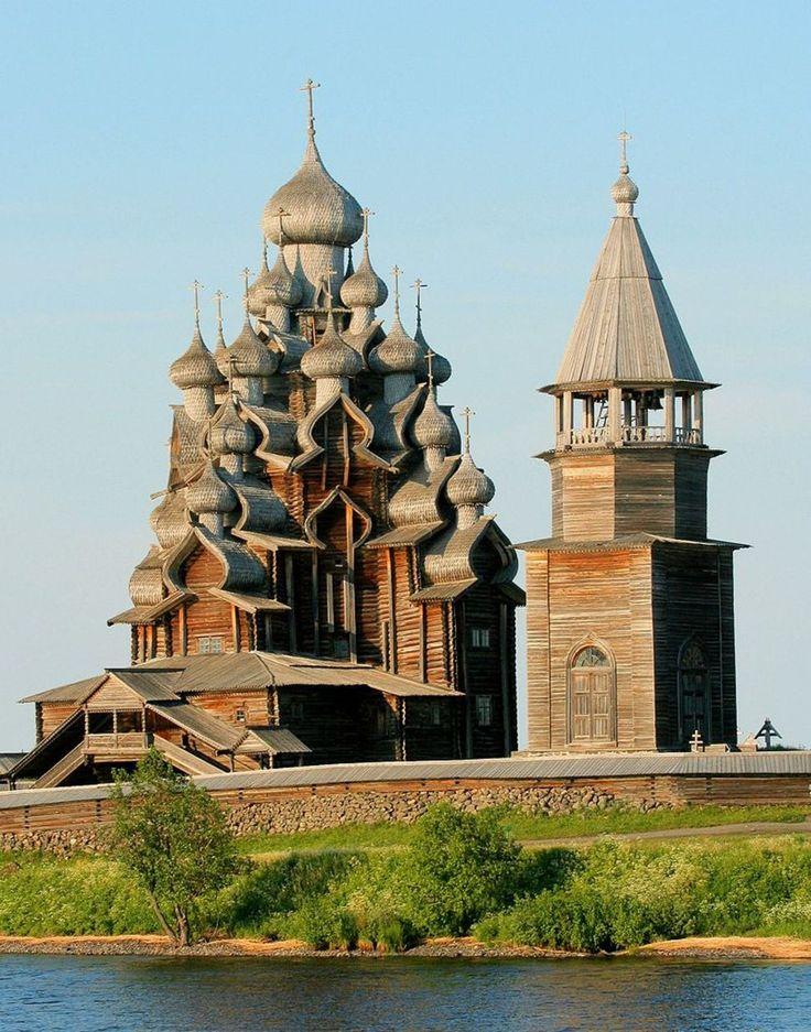 Церковь Преображения Господня на острове Кижи, Россия