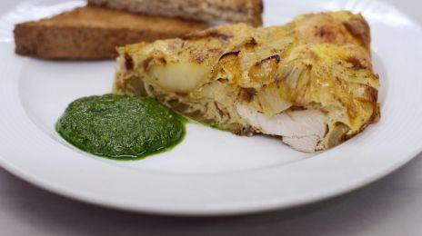 Eén - Dagelijkse kost - dikke omelet met kip, prei en aardappelen