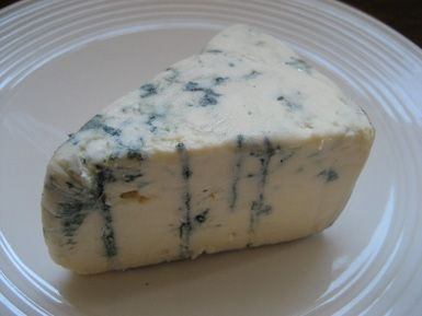 Blue Cheese Sauce for Steak: Maytag Blue Cheese