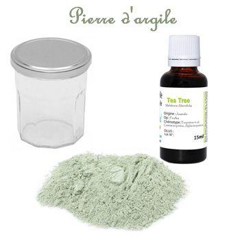 Fabriquer une Pierre d'argile nettoyant ménager naturel multi-surfaces - 5 Grosses cuillères d'argile verte fine (Soit environ 70gr)  - 2 ou 3 Grosses cuillères de savon liquide (Environ 50gr) ou de liquide vaisselle  - 6 Ml d'huiles essentielles (Soit environ 120 gouttes)   - 1 à 2 cuillère d'une huile végétale  Facultatif : le jus d'un 1/2 citron