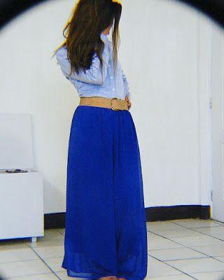 95fe018db6 OUTFIT DEL DÍA  Look con falda larga azul