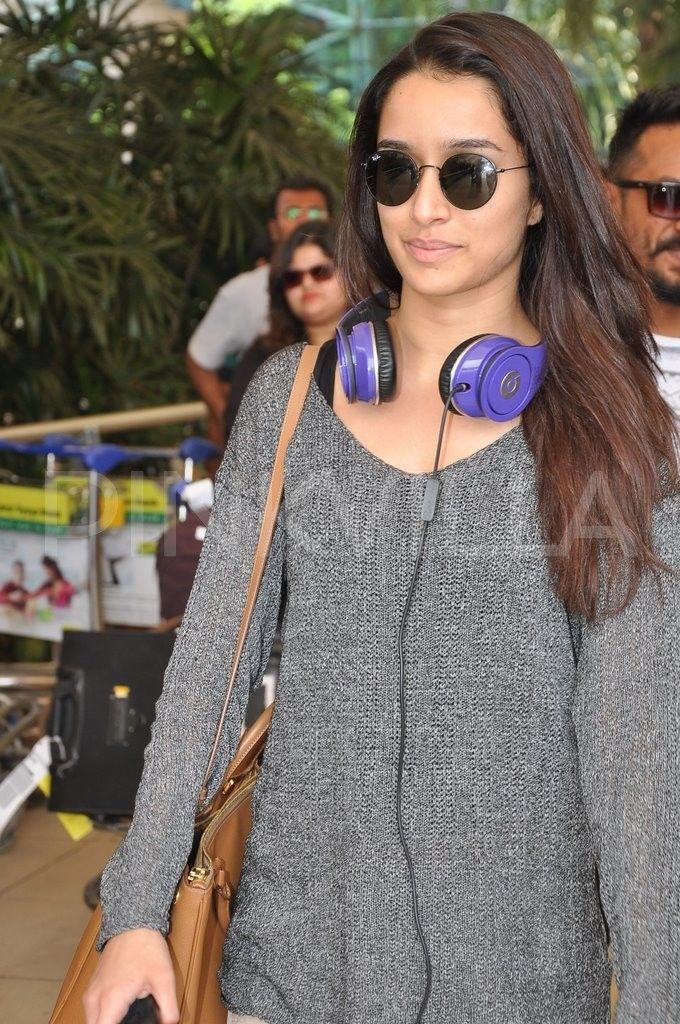 Shraddha and Shahid spotted at Mumbai Airport