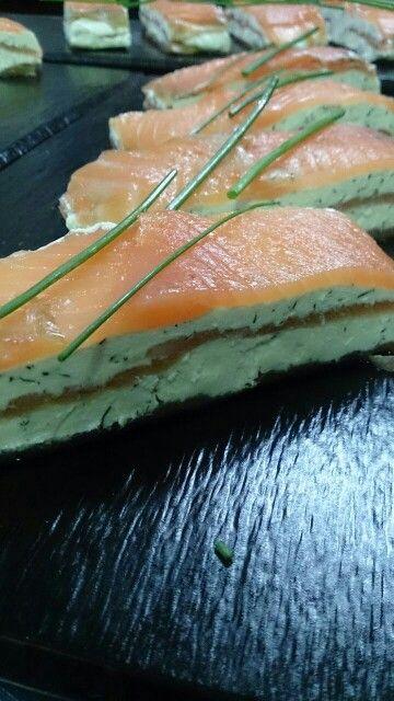 Pincho de salmón con queso a las finas hierbas, rico, rico :) #pinchos #tapas #malaga #restaurantes