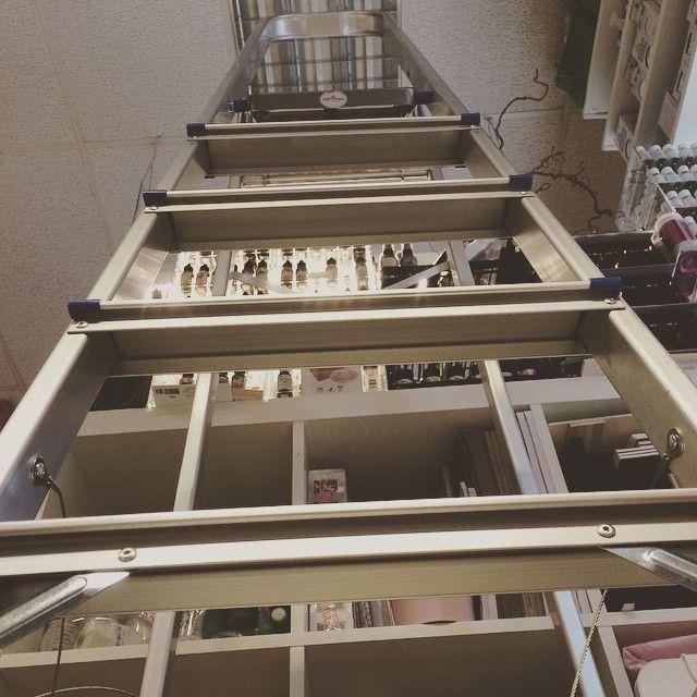 Det er høyt under taket på HOBBYKUNST  #connieshobbykunst #hobbykunst #hobbykunstmegastore