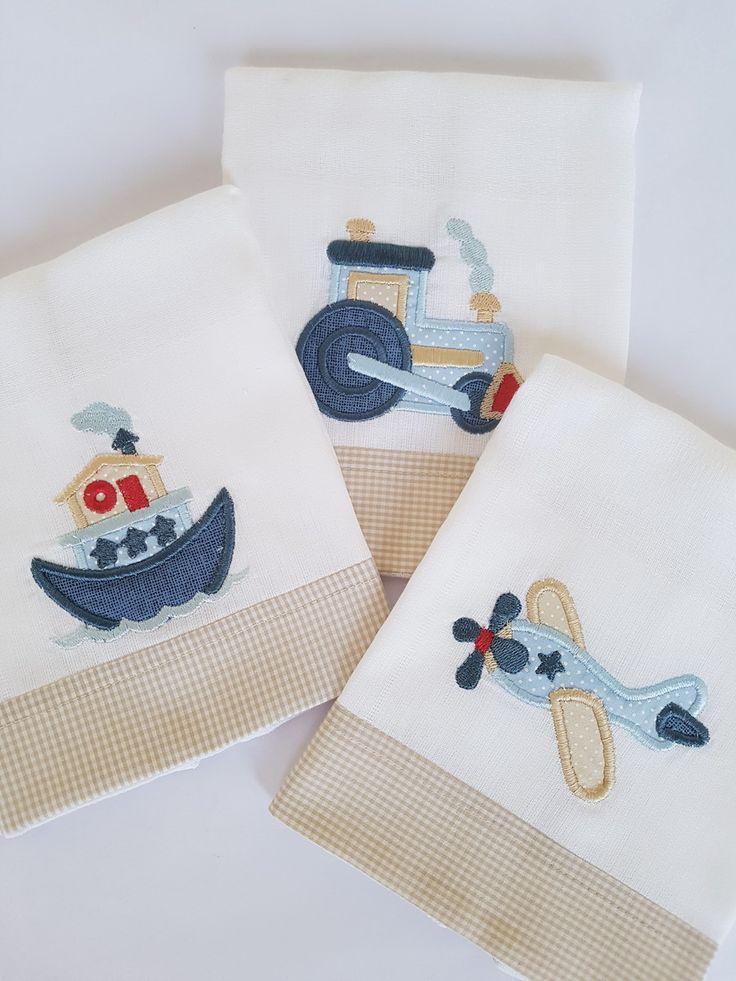 Kit com 3 fraldas de boca (Cremer Luxo Dupla), tamanho 31x31cm com bordado e acabamento em tecido de algodão. Lindo e delicado para compor o enxoval do bebê.
