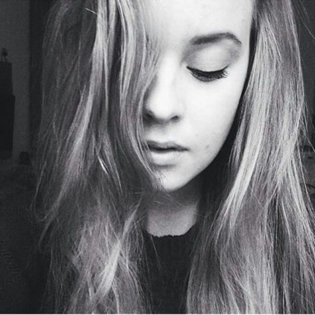 #cute #cutie #cuties #cutiepie #beauty #bae #beautiful #gorgeous #adorable #perfect #perfection #perfecto #redlips #lips #smile #selfie #selfietime #selfies #model #modeling #modelling #pose #girl #beautifulgirls #eyes #smiling #love #lovely #lovelygirl #me