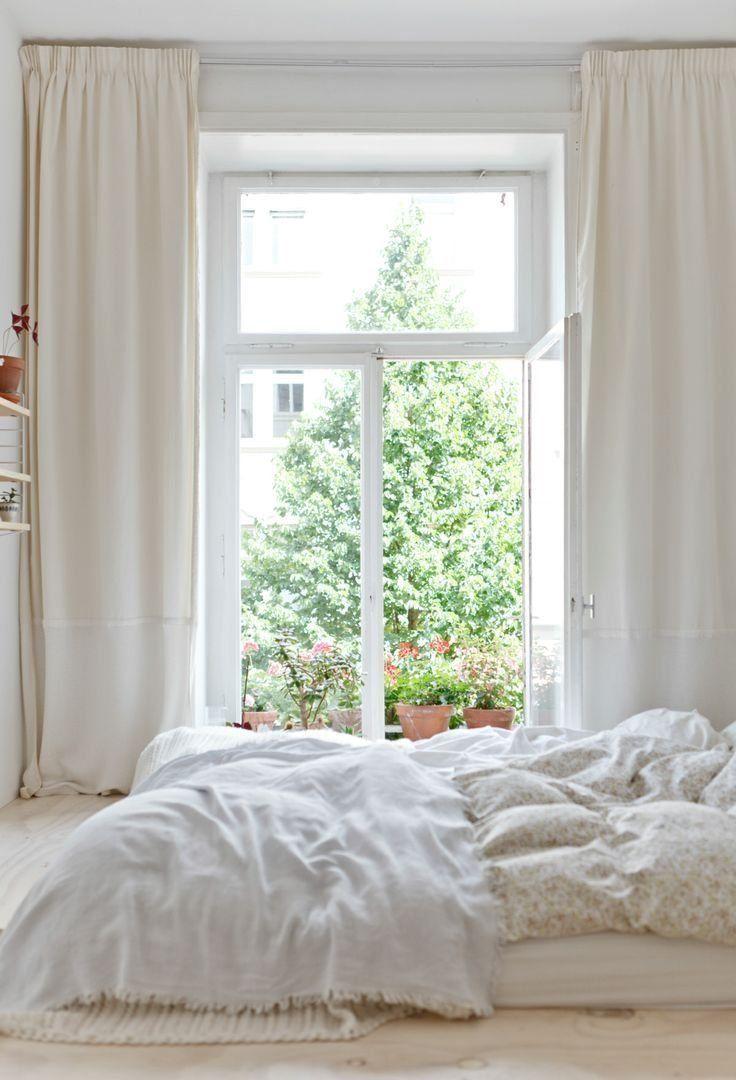 Que tal entrar para a moda do off white e investir no seu quarto? O resultado é incrível ♥♥♥