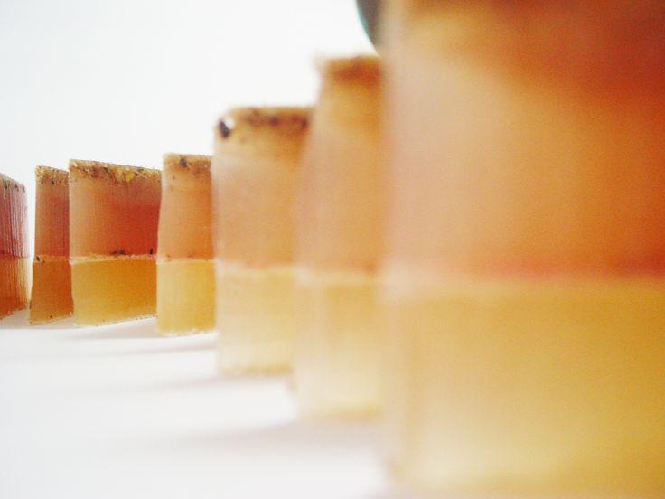 Glicerina + aceites coco y risino + almendras molidas con canela