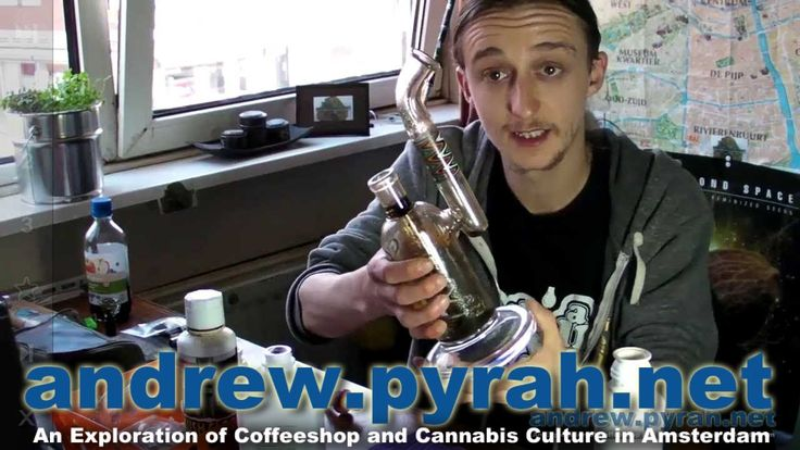 How To Quickly Clean a Glass Bong - Amsterdam Weed Review
