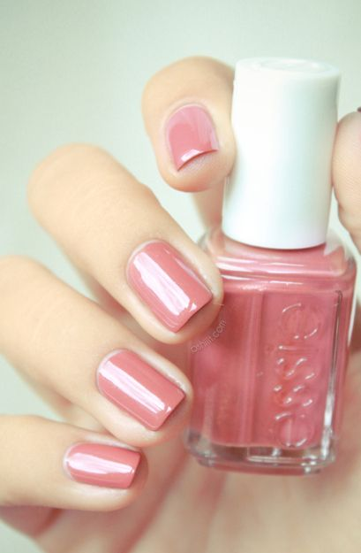 By Caroline Wieland. found on http://pshiiit.com/2012/07/15/thesundaynailbattle-un-vernis-que-je-naurai-jamais-porte/#nails #pink @bloomdotcom