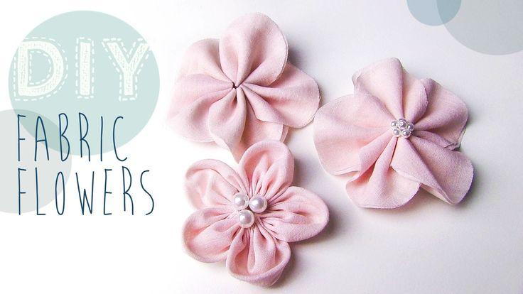 Mit den Stoffblumen könnt ihr ganz wundervoll Dinge verzieren und verschönern, sie als Anstecker tragen oder in den Haaren. Die Größe der Kreise, die Länge d...
