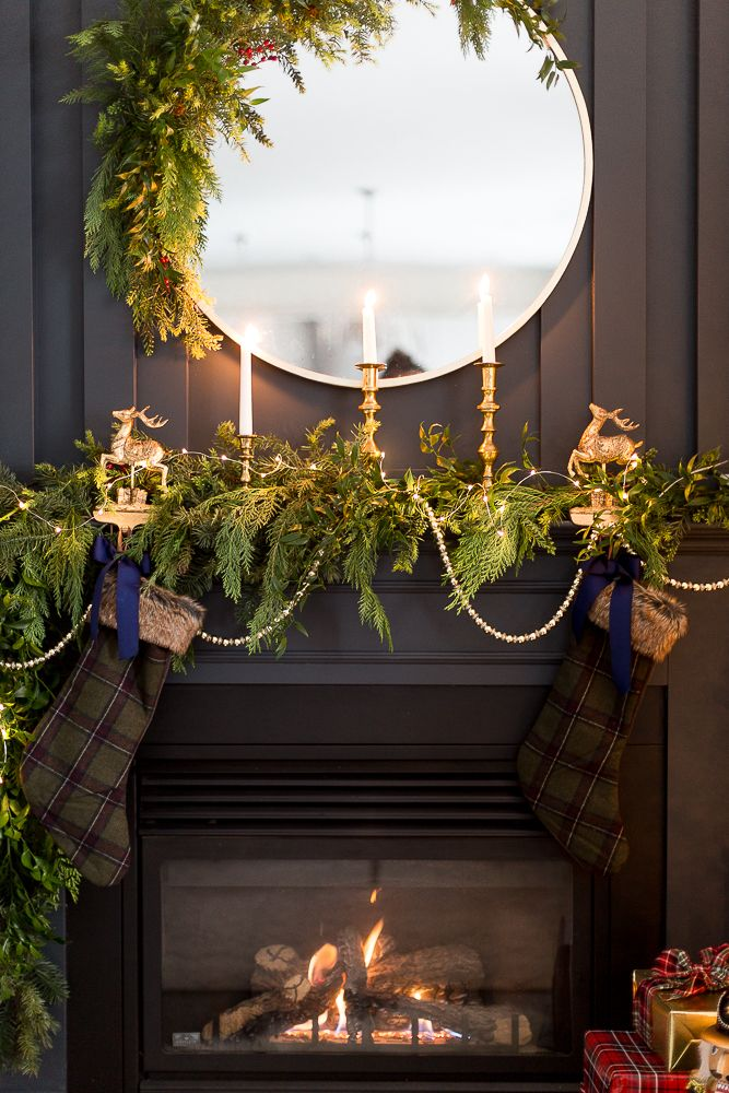 Pin By Nesting With Grace On Fireplaces Mantles Pinterest Navidad Arreglos Navidenos And Arreglos