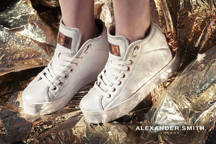 A265 Summer Off White. Metal flash, golden lightning and silver sparks: this is #AlexanderSmith new collection