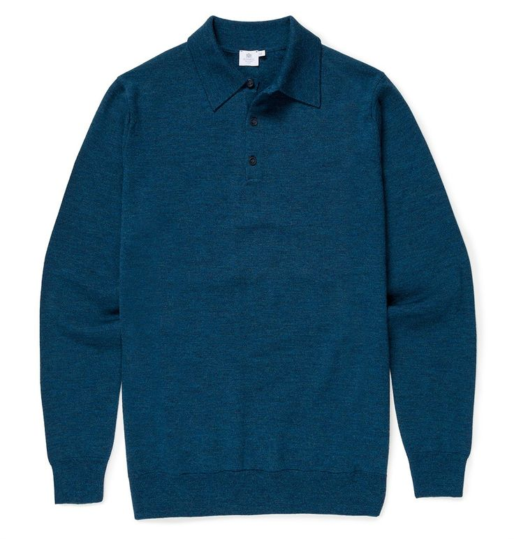 Drawing inspiration from the classic polo shirt that we have been making since the 1950s, this beautifully crafted jumper is a classic style that will lend sophistication to any outfit. Crafted from a luxurious merino wool that is exceptionally soft an