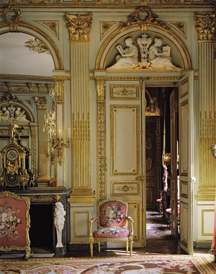 473 best gilded grandeur rococo and baroque images on pinterest palace interior castles and. Black Bedroom Furniture Sets. Home Design Ideas