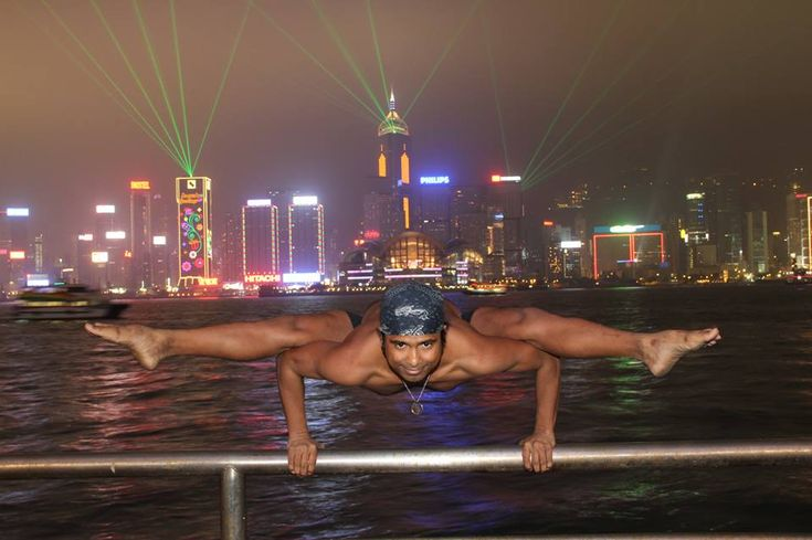 Yogi attempts to break world record in 40 Hour Yoga Marathon - http://yogaadvise.com/yogi-attempts-to-break-world-record-in-40-hour-yoga-marathon/