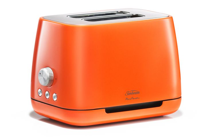 Famed designer Marc Newson, who currently works at Apple, has created a stylish toaster and kettle for Australia's Sunbeam.