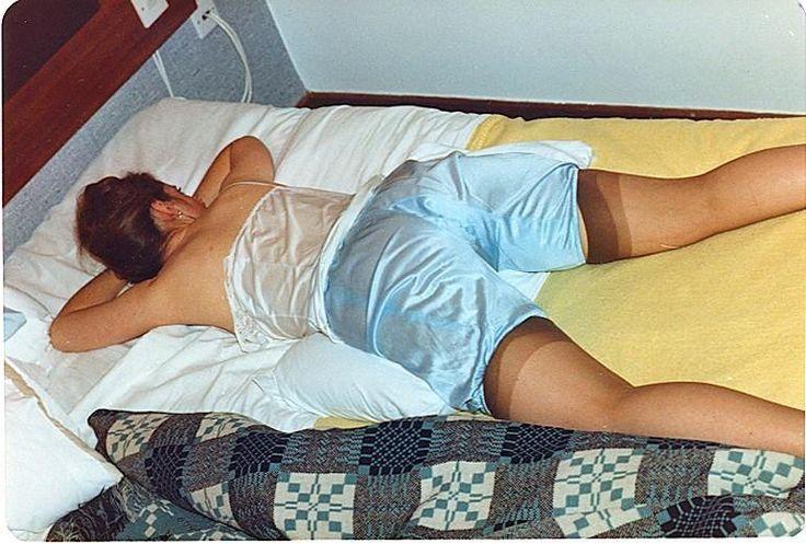записи вел тетя спит в платье фото гостей встретят