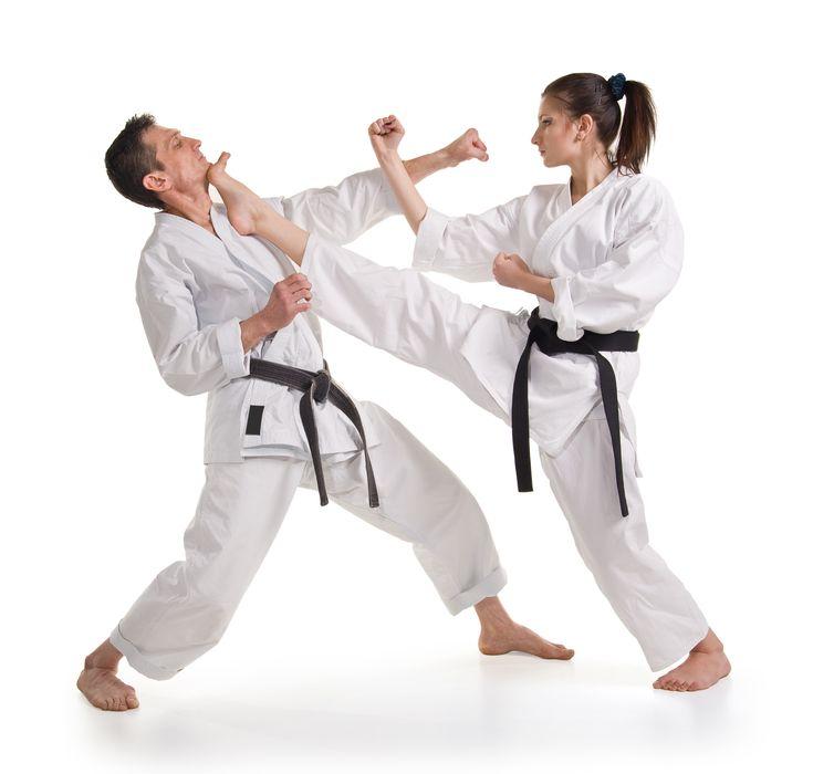 Además, yo practicar karate con mi hermana menor todos los días. Yo tengo una correa negra. Yo debo practicar asi qué yo pueda obtener un mejor.