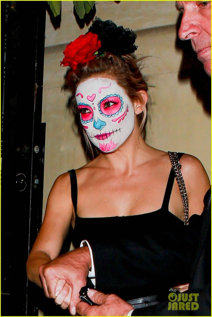 kate hudson ashley benson halloween party 07 Kate Hudson rocks a Mexican death mask while arriving at a Halloween party held at Mike Meldman's residence on Friday (October 25) in Beverly Hills, Calif.    The…
