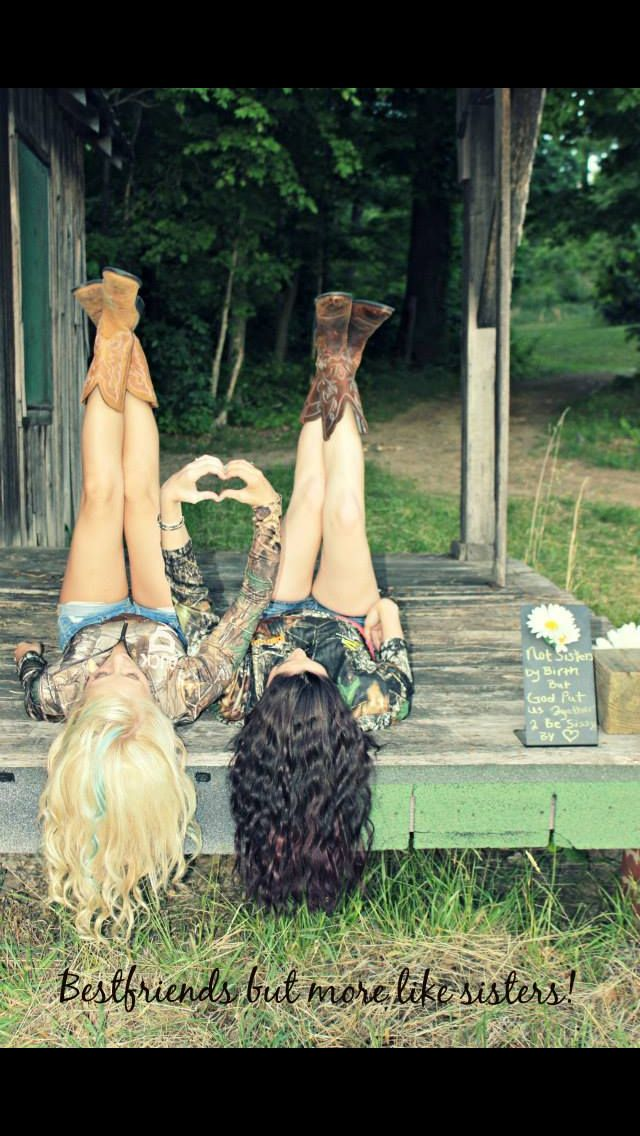 Bestfriend photography, bestfriends, country photo shoot. So cute!