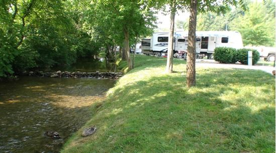 Best Places for RV Camping in Pigeon Forge http://www.smokymountainrafting.com/blog/camping/r-camping-in-pigeon-forge/