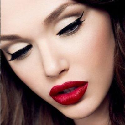 10 members 'Love' this Look on ipsy! I've always been in love with looks inspired by the glamourous faces of Old Hollywood. Winged black liner, dramatic red lips, and glowing, flawless skin - they're the makeup equivalent of black patent leather pumps. Here are some video tutorials I've found that can help you achieve this timeless and classic style.