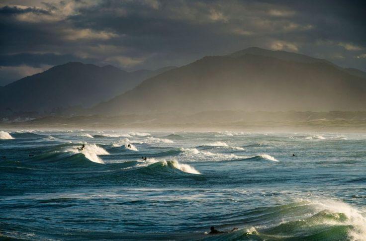 Plaža #Joaquina je jedna od najpopularnijih plaža za surfere na svetu. #Brazil #Brasil #surf #surfovanje #travelboutique #travel #inspiration #travel_unique #traveladdict #traveltheworld #travelgram