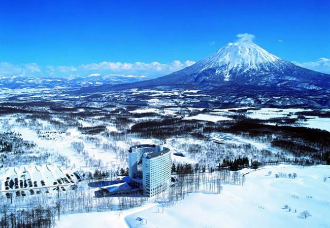 Hilton Niseko Village... Vaughan and I will be going there February 2014! Love snow