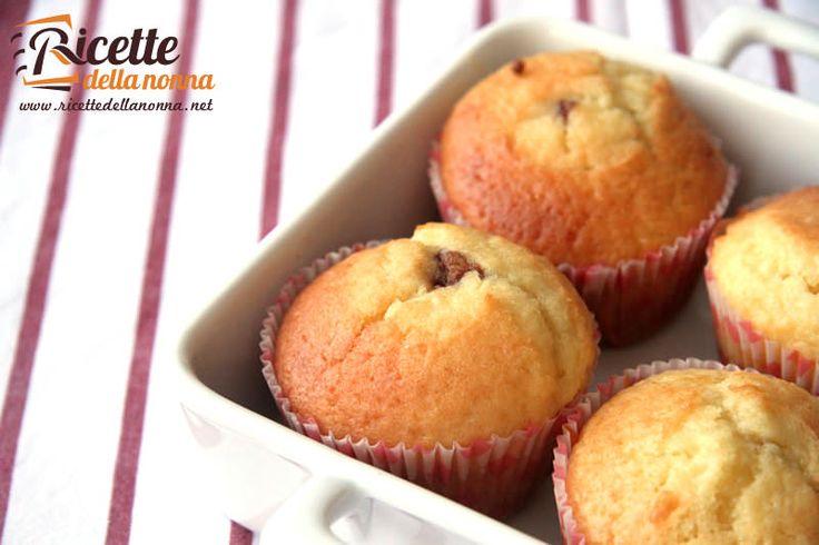 Dopo la torta di Gianduiotti ecco i muffin ai Lindor: incredibilmente golosi! Procedimento In una prima terrina versate gli ingredienti secchi: farina set