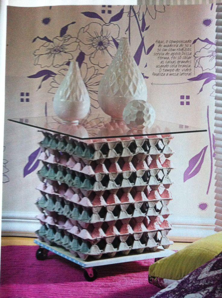 Mesa de caixa de ovos!