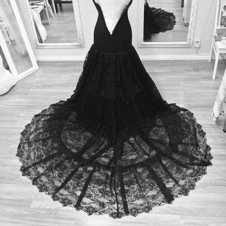 Dark Boho Wedding Dress from Amelié's Alternativé Ateliér. SO MUCH LACE!