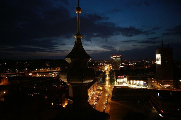 Widok zapierający dech w piersiach z punktu widokowego w Muzeum Zegarów Wieżowych podczas dzisiejszej Noc Muzeów. fot. Dominik Werner