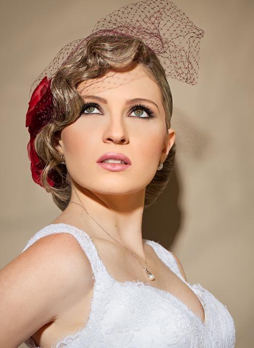 site Attitudo Romance   - fotografado por Alessandro Dias - Flor e voilette  by Bárbara Heliodora