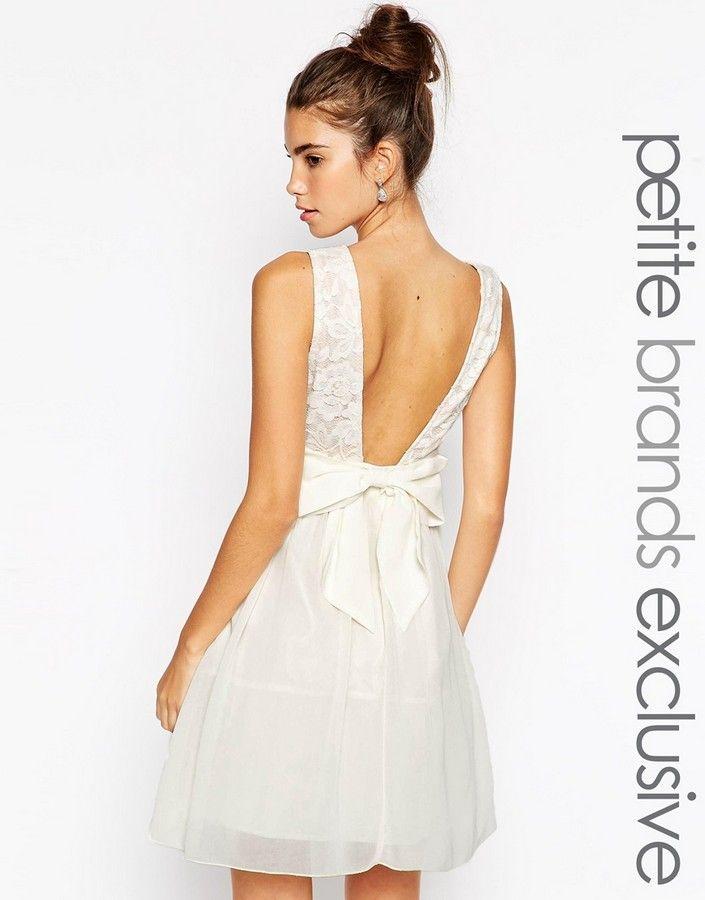 les 25 meilleures id es concernant robes avec un noeud dans le dos sur pinterest robes en. Black Bedroom Furniture Sets. Home Design Ideas