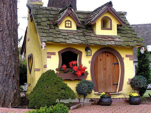 Fairy Tail House Cabins And Little Houses Pinterest