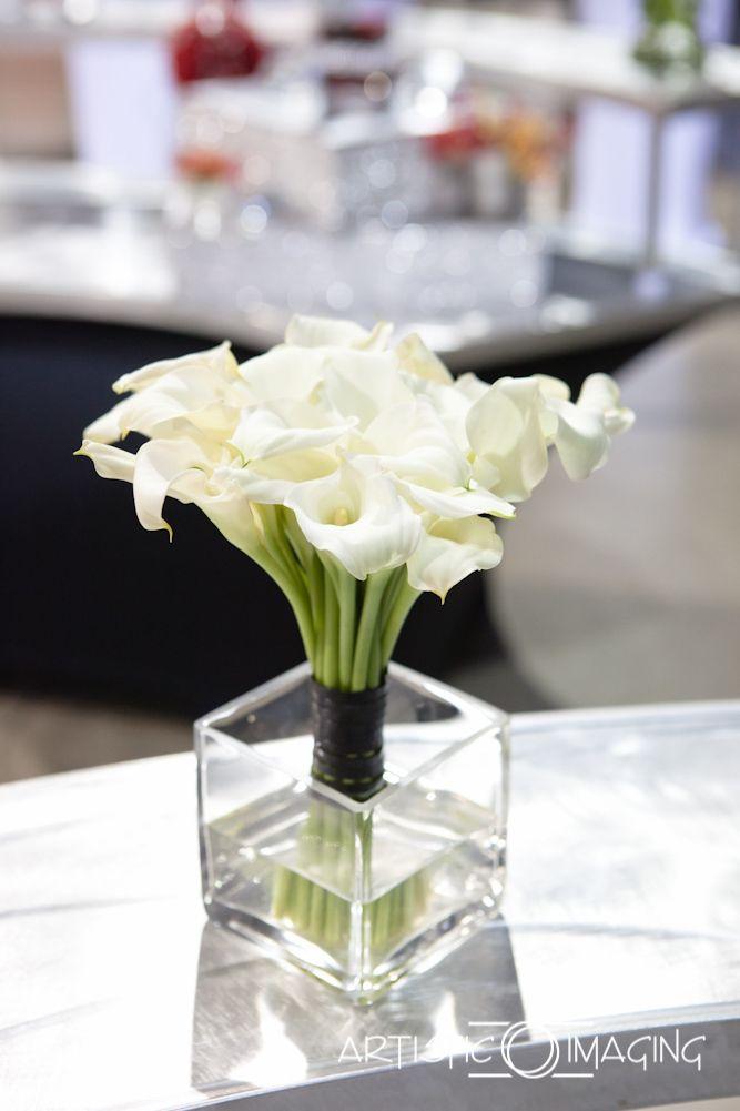 Enchanted Florist Las Vegas-white calla bouquet with black finish.