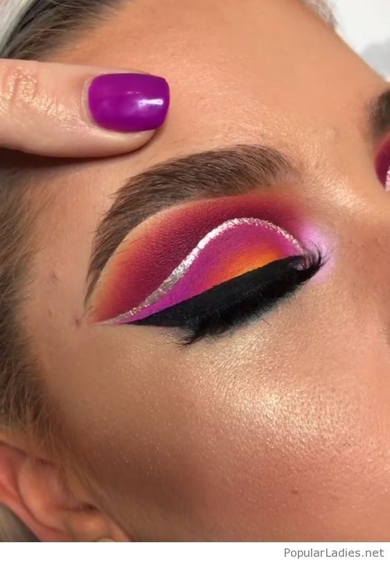 Purple and more, nails and eye makeup