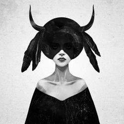 """Silná sebevědomá žena s vůli býka - možná právě taková je tajuplná bytost z plakátu umělce Rubena Irelanda. Živlem lidí narozených ve znamení býka je země, ke které může odkazovat název """"the mound"""". Země souvisí s vyrovnanou a zodpovědnou povahou tohoto znamení a ochotou tvrdě pracovat. Jste přesně takoví? Pak vám tento umělecký tisk rozhodně nemůže chybět!"""