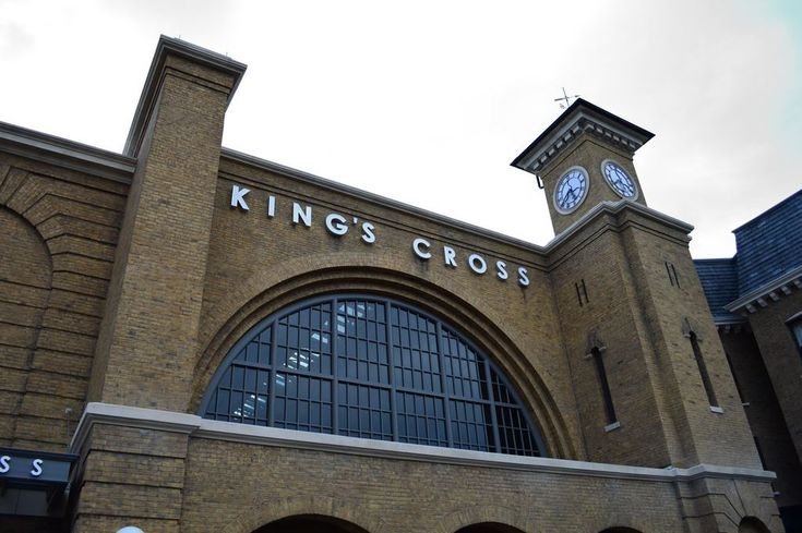 Hogwarts Express at King's Cross Station guide from TouringPlans.com